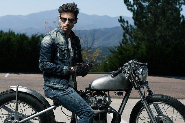 Wie viele Meilen sollten Sie an einem Tag mit Ihrem Motorrad fahren?