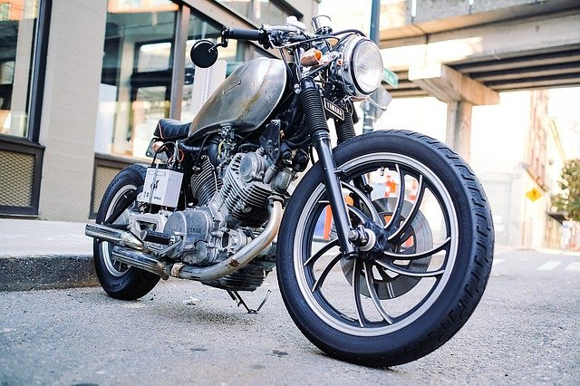 Wie oft sollten Sie die Reifen Ihres Motorrads wechseln?