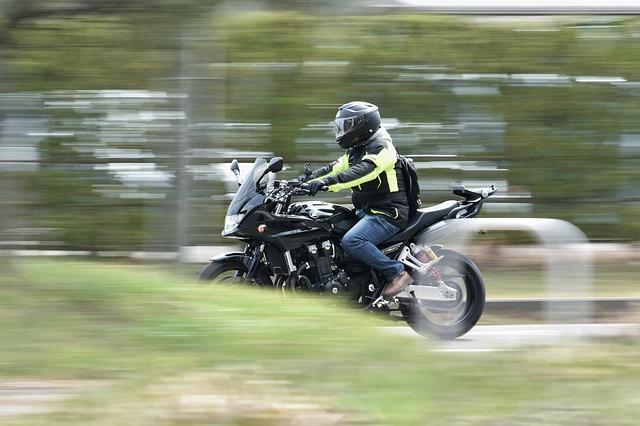 Die Vorteile des Tragens einer Motorradhelm-Kamera